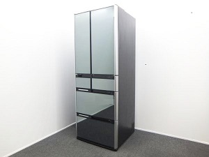 HITACHI(日立)6ドア 565L冷蔵庫 R-M5700D