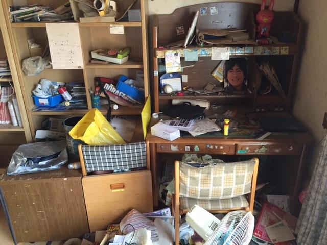 【愛知県名古屋市西区】子供部屋の服・紙・雑貨など不用品の整理回収