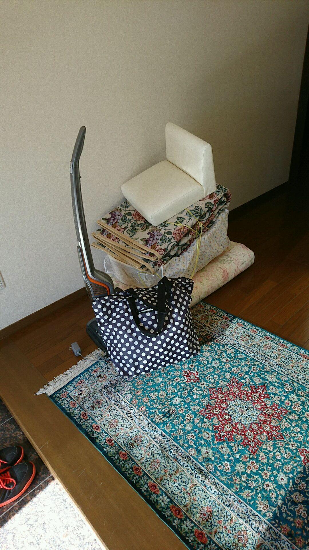 【愛知県名古屋市西区】壊れた掃除機と古くなった布団の不用品回収
