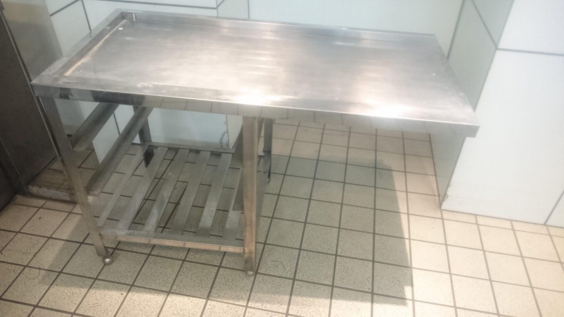 【愛知県名古屋市中区】飲食店で不要になった厨房機器(ステンレス台)の処分