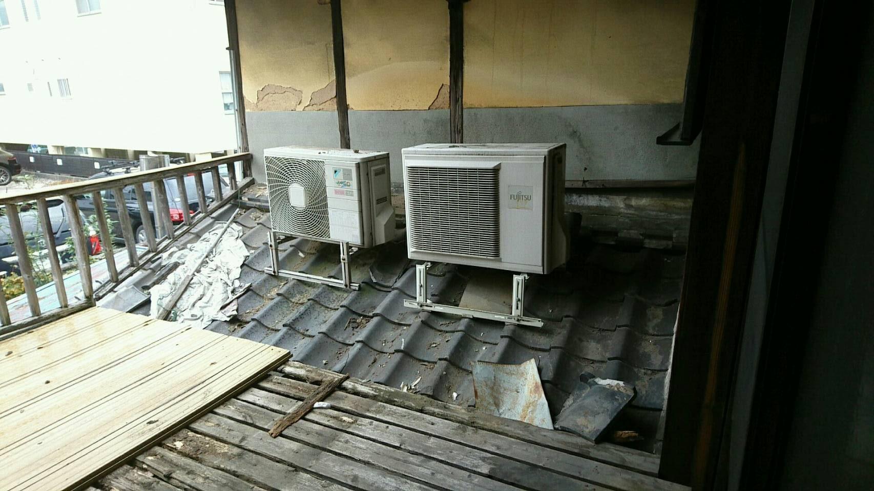 【愛知県名古屋市名東区】リフォームに伴う屋根上のエアコン室外機の取外しと回収