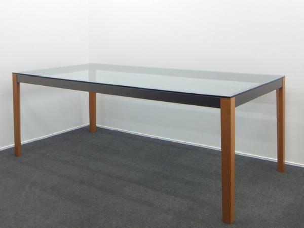 Poltrona Frau ポルトローナ フラウ ラウラナ テーブル