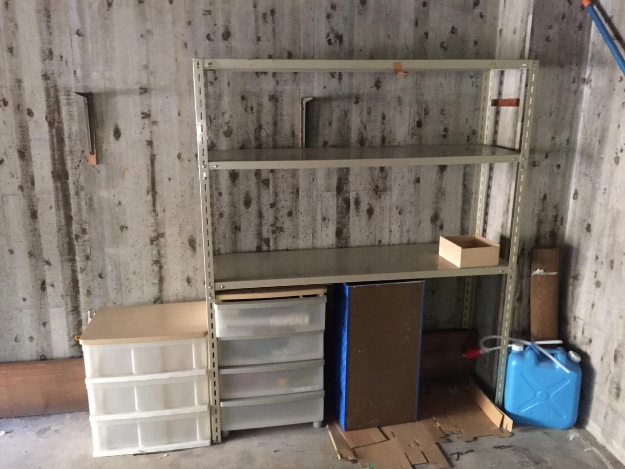 【愛知県名古屋市緑区】重量棚、衣装ケースなどの回収作業