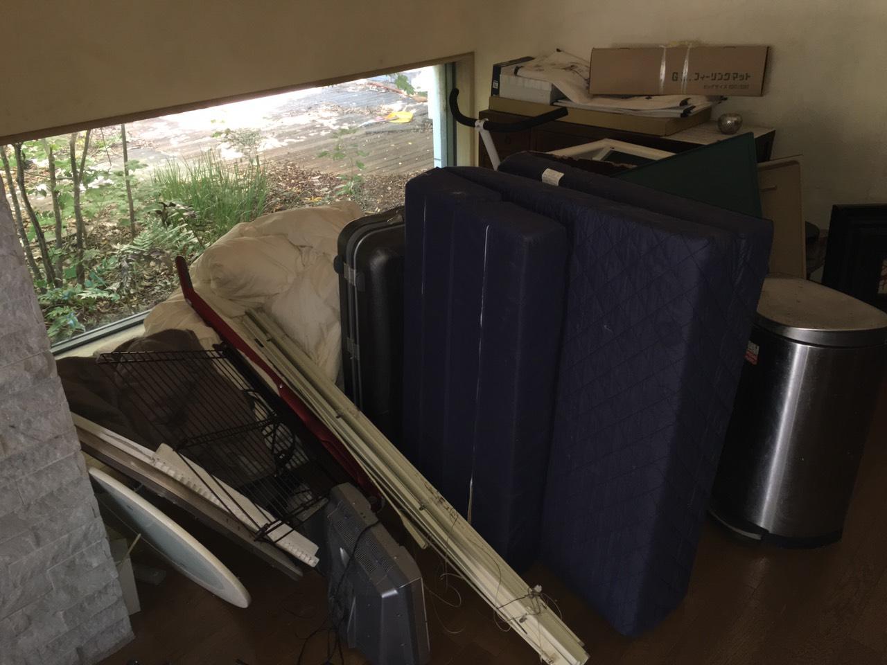 【愛知県名古屋市港区】マットレスや大量の布団、TVなどの回収