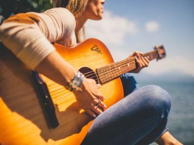 アコギ(アコースティックギター)のお得な処分方法が知りたい!