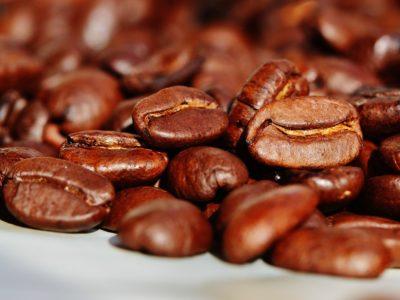 美味しいコーヒーが飲みたいなら電動コーヒーミルを使ってみて!
